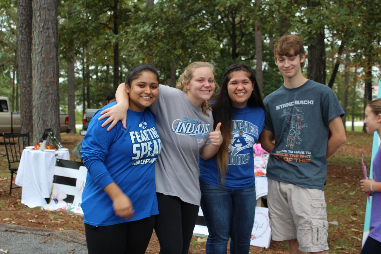 Juniors+and+AHS+graduates+reunite+at+Tribefest%21