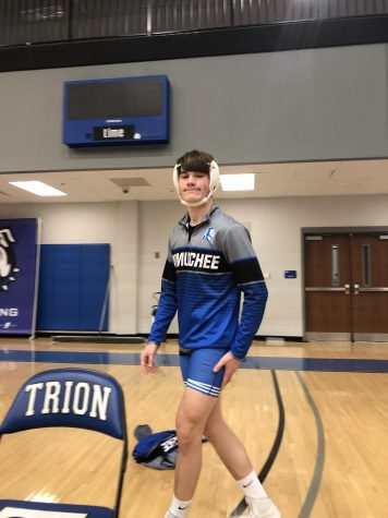 Ford Jones, Junior, warming up before his match